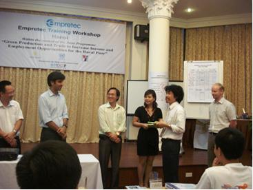 Improving the competitiveness of the lacquer value chain in Viet Nam